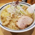 144767202 - 海老ワンタン麺 塩