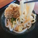 上野製麺所 - 麺のリフトアップ