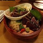 14478837 - また、カツオw。塩タタキとタレつけ。この店は藁焼きなので塩タタキはかなり美味い!