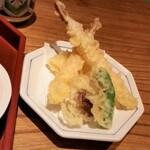 koga - 天麩羅盛り合わせ。海老2、玉葱、椎茸、ビーマン。