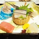 大和屋本店 - 料理写真:釣魚 媛鮪 太刀魚焼霜 平貝