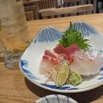 天ぷら・割鮮酒処 へそ - お造り三種盛り