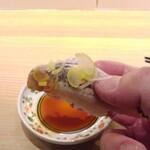 鮨 一輝 - 寿司は手で食す・イワシ