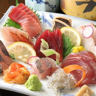 和食を中心とした拘りの料理がお楽しみ頂けます♪