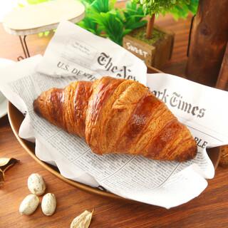 ◆大人気のクロワッサン◆AOPバターを採用上質な食感