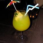 ホテル石垣島 - ウェルカムドリンクサプライズ 花火パチパチ マンゴーのノンアルコールカクテル