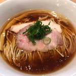 らぁ麺 はやし田 - はやし田国立店(醤油らぁ麺)