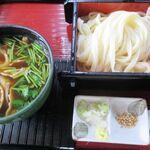 松音屋 - 料理写真:人気の肉汁うどん