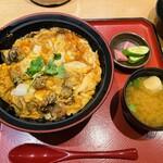 車 - 親子丼 1,100円