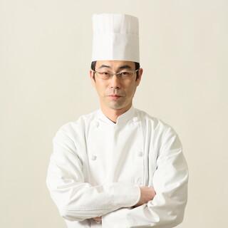 丹精込めた中国料理でお出迎え致します。
