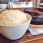 コッテジ - 牡蠣入り豆腐チゲ ランチセット(大盛ご飯)