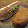 石窯パン工房 キャパトル - 料理写真:海老カツドッグ、熟成ゴロゴロビーフカレー