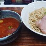 忍八 - つけ麺 並200g(800円)。