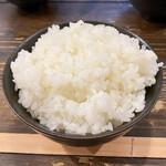 中華そば 兎我野 - 炊き加減良い、白ご飯