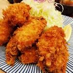 144843932 - カキフライ定食