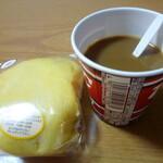 ほていや - 料理写真:やはりマックスバリューで買ったコーヒーとともに^^