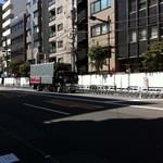 スターバックス・コーヒー - 浅草サンバカーニバルの準備(馬道通りに椅子が並んでる)①
