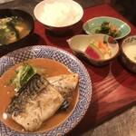 居酒屋 たぬき - [ランチ]鯖の味噌煮定食