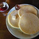 カフェ・エスケープ - バターミルクパンケーキ ¥600(+苺ジャム¥100)