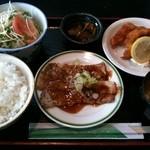 茶久仙 - 料理写真:サービスランチ(イカフライ&ポークジンジャー)