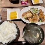 janrunitorawarenaiinshokutensekandoraifu - 唐揚げ定食