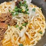 ジャンルにとらわれない飲食店 セカンドらいふ - カレー担々麺