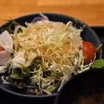 もろ川 - 名物つくね丼(サラダ)