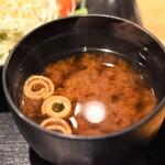 もろ川 - 名物つくね丼(味噌汁)