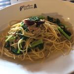 サムシング ベッラ ジョイア - ツナとカキナのペペロンチーノスパゲティ大盛り
