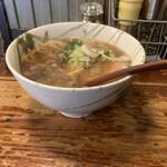 G麺7 - 料理写真:らーめん正油 ワンタン入り¥1000