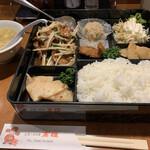 台湾料理 高雄 - 料理写真:日替わりランチ レバニラ炒め