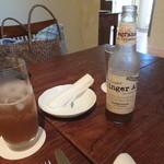 ラ・ボッテガ・ゴローザ - ジンジャーエール(\750) 美味しいです