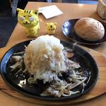 Cafe Lychee - BIG鬼おろしポン酢ハンバーグ 1,680円(税込)