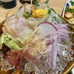 魚留 - 平目の刺身