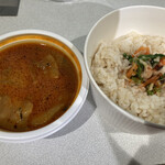 キッチン アンド カリー - 黒酢のポークビンダルー&青森のナンチャラ