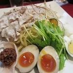 古武士 - ・「冷やし坦々麺(\780)」の麺皿アップ。