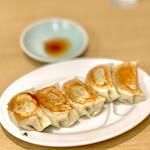 144932552 - 餃子 5ヶ(430円)