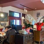 イルキャンティ・メッツォ - 広々としたテーブル席