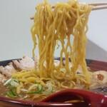 吉山商店 - 焙煎ごまみそとろ旨Wチャーシュー麺1,300円税込【限定50食】麺アップ
