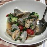 洋食勝井 - 熊本産アサリのガーリックソテー
