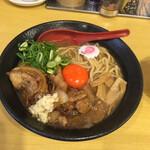 おとど食堂 - 肉玉そば(普通盛り)900円。