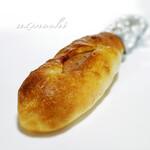 ベーカリー&カフェ リーノ - 肉パン