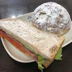 パンドール - 料理写真:にんじんのサンドとパンシュー