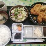 とんかつかつ屋 - カキフライとロースカツ定食 1400円