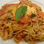 14497819 - パンチェッタとモッツァレラチーズのトマトあえ バジルのタリアテレ