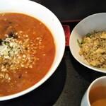 鴻福門 - 担々麺セット