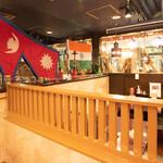 エベレスト セルフ キッチン - テーブル(内観)