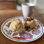 ロゼット - 料理写真:イチジクとカカオニヴのスコン。ザックリとしてシンプルな美味しさ♡