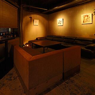 おひとり様やデート・飲み会にも最適な居心地の良い大人空間