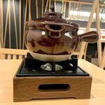 うなぎ・ひつまぶし炭櫓 - 出汁は簡易コンロで温めておく